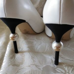 Vintage Chanel Pumps White/Black Sz 8